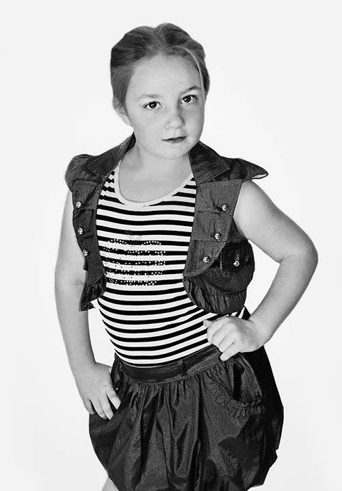 Girl modeling portrait - Offer On Half Price Portfolio And Headshot For Children £50