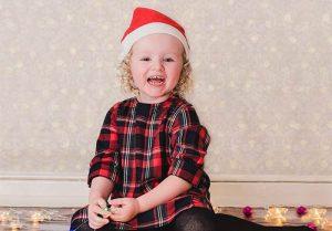 christmas portrait 300x209 - FAMILY & CHILDREN CHRISTMAS PORTRAITS
