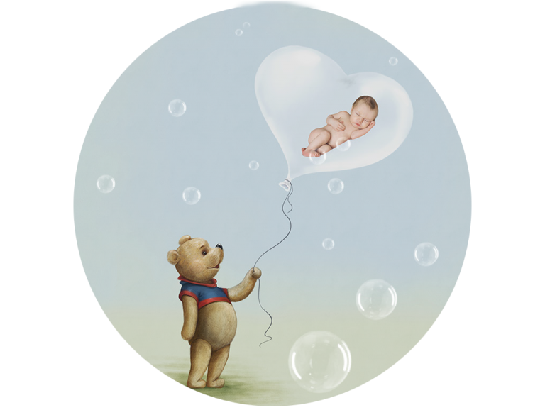 Newborn and balloon